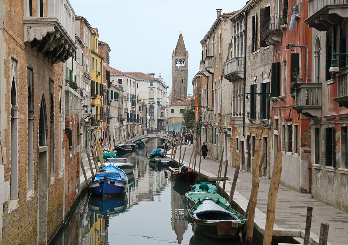 Canales Venecia repletos de Góndolas