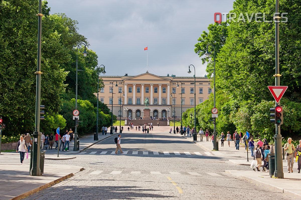 Qué ver y qué hacer en Oslo, visitar el Palacio Real de Oslo