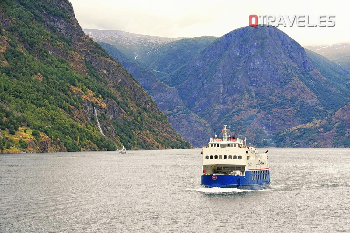 Guía para realizar la ruta Norway in a Nutshell desde Bergen Surcando las aguas el Ferry de Flam a Gudvangen
