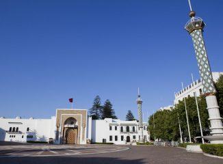 Tetuán Plaza Hassan II con el Palacio Real al fondo