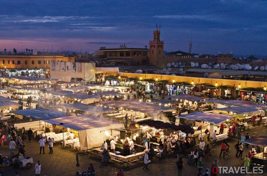 Marrakech – La Plaza Jamaa el Fna y sus zocos