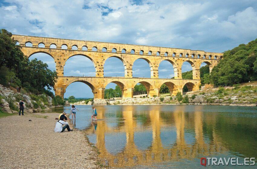 Pont du Gard, monumental y milenario