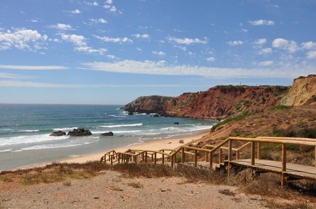 Descubre el Algarve de los paisajes verdes y gastronomía