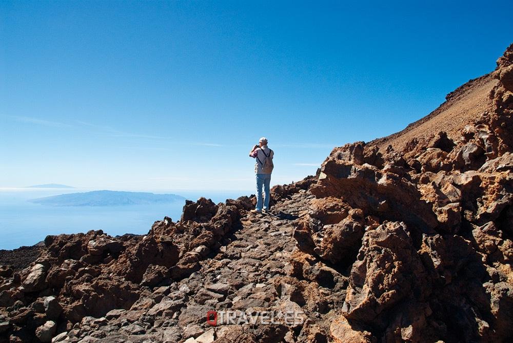 Qué ver y qué cosas hacer Tenerife, camino del Pico Viejo en la cima del Teide