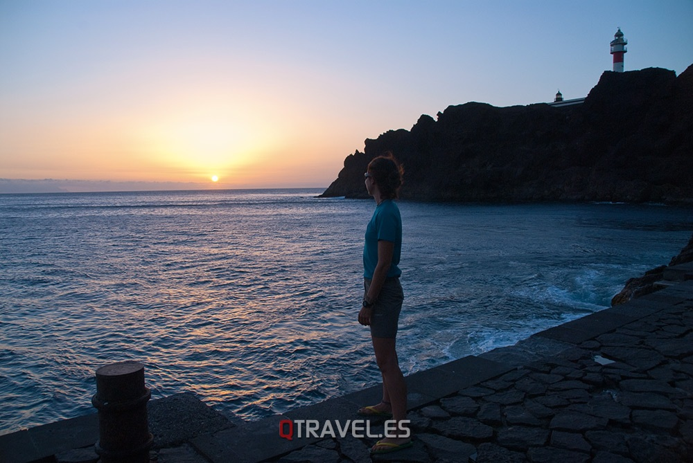 Qué ver y qué cosas hacer en Tenerife, disfrutando de el espectáculo de la puesta de sol en el Faro de Teno
