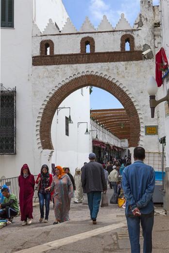 La famosa puerta Bad E-Rowah entrada a la Medina