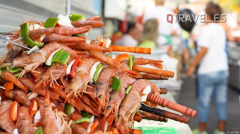 En agosto, Algarve se viste de fiesta en honor a la sardina y el marisco
