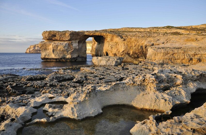 Descubre el archipiélago maltes y recorre la naturaleza de gozo a pie o en segway