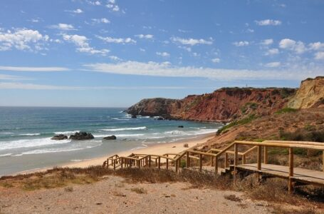 La Costa Vicentina de Algarve, destino de surf todo el año