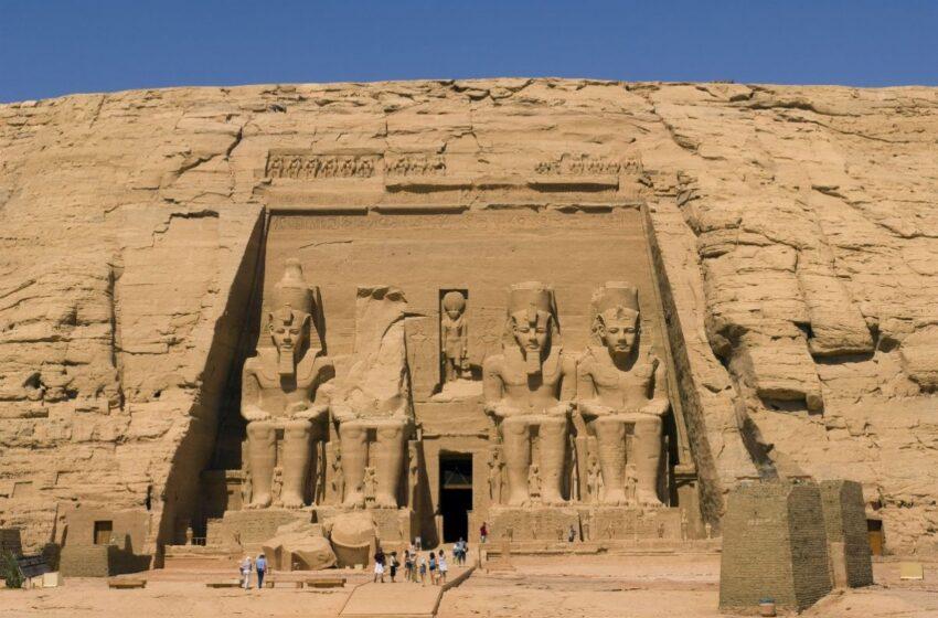 El dios Ra ilumina Abu Simbel para celebrar el festival del sol