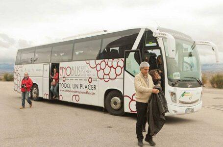 La Rioja Alavesa y la comarca de Uribe presetan el Enobús y el Txacolibus
