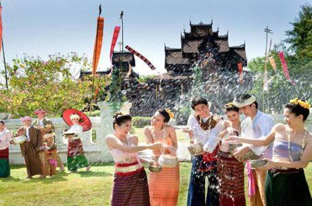 Tailandia celebra la llegada de su año nuevo con el Songkran