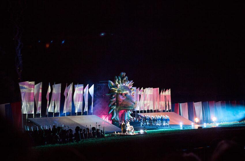 Inferno el espectáculo de apertura del Bicentenario de Waterloo 2015