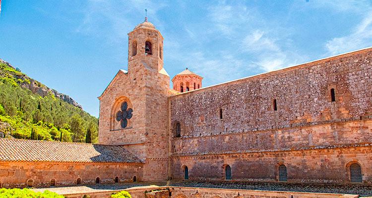 Enoturismo en el Languedoc-Rosellón: La abadía de Fontfroide