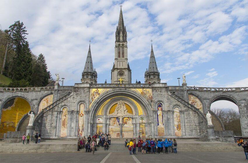 Lourdes, una viaje más allá de la fé