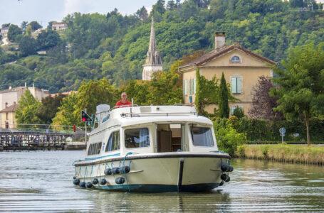 Navegando por el Canal del Garona