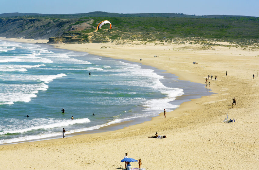 Diez playas solitarias del Algarve para perderse
