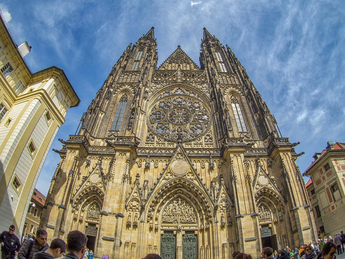 Fachada de la Catedral de San Vito